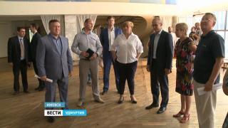 Глава Удмуртии Александр Бречалов - с рабочим визитом на социальных объектах Ижевска