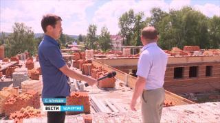В Алнашах возобновили строительство жизненно необходимой для села школы